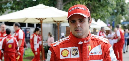 Massa é prejudicado na troca de pneus (crédito: formula1.ferrari.com)